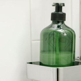 Penis schoonmaken in douche